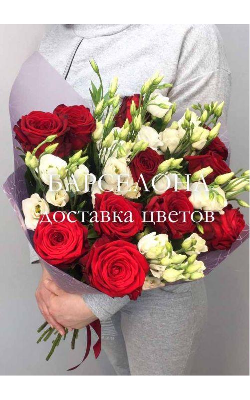 Букет из красных роз и Эустомы (средний)
