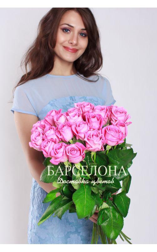 25 Розовых роз