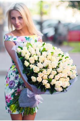 101 Кремовая роза 50 см.