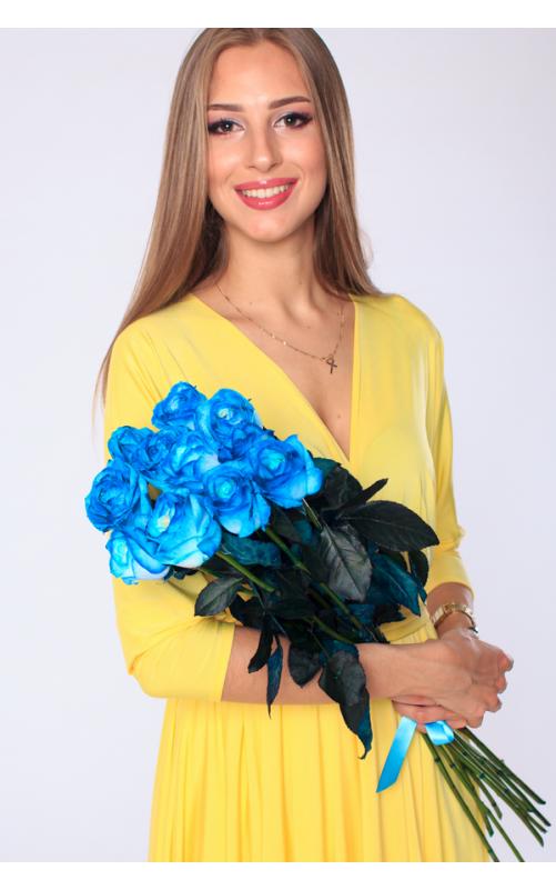 7 голубых роз
