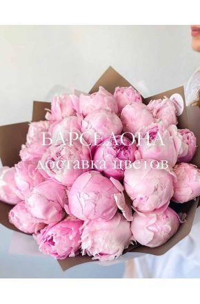 Букет из 23 розовых пионов Сара Бернар