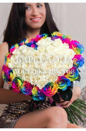 Сердце из 51 розы 60 см. с радужными розами