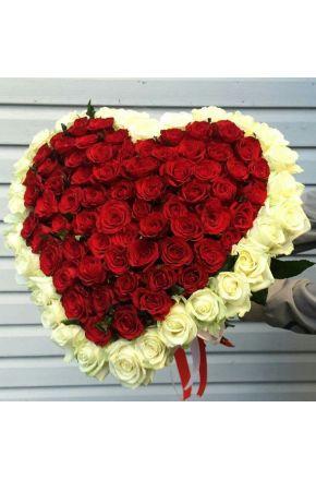 Сердце из 101 розы с окантовкой