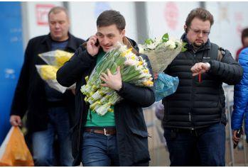 Какие цветы подарить на 8 марта коллегам